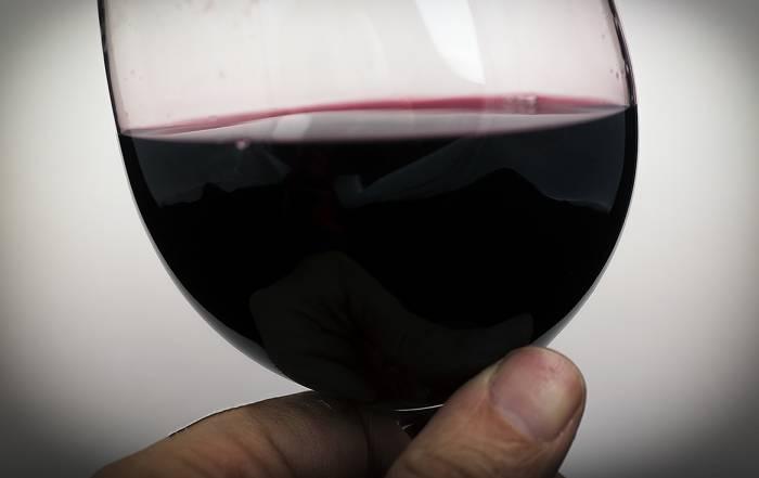 bicchiere vino (Renato Corradi)