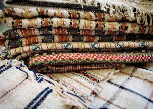Tessuti lavorati al telaio antico